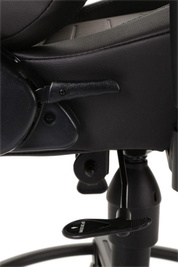 Playseat L33T Black (fekete) ülésállító